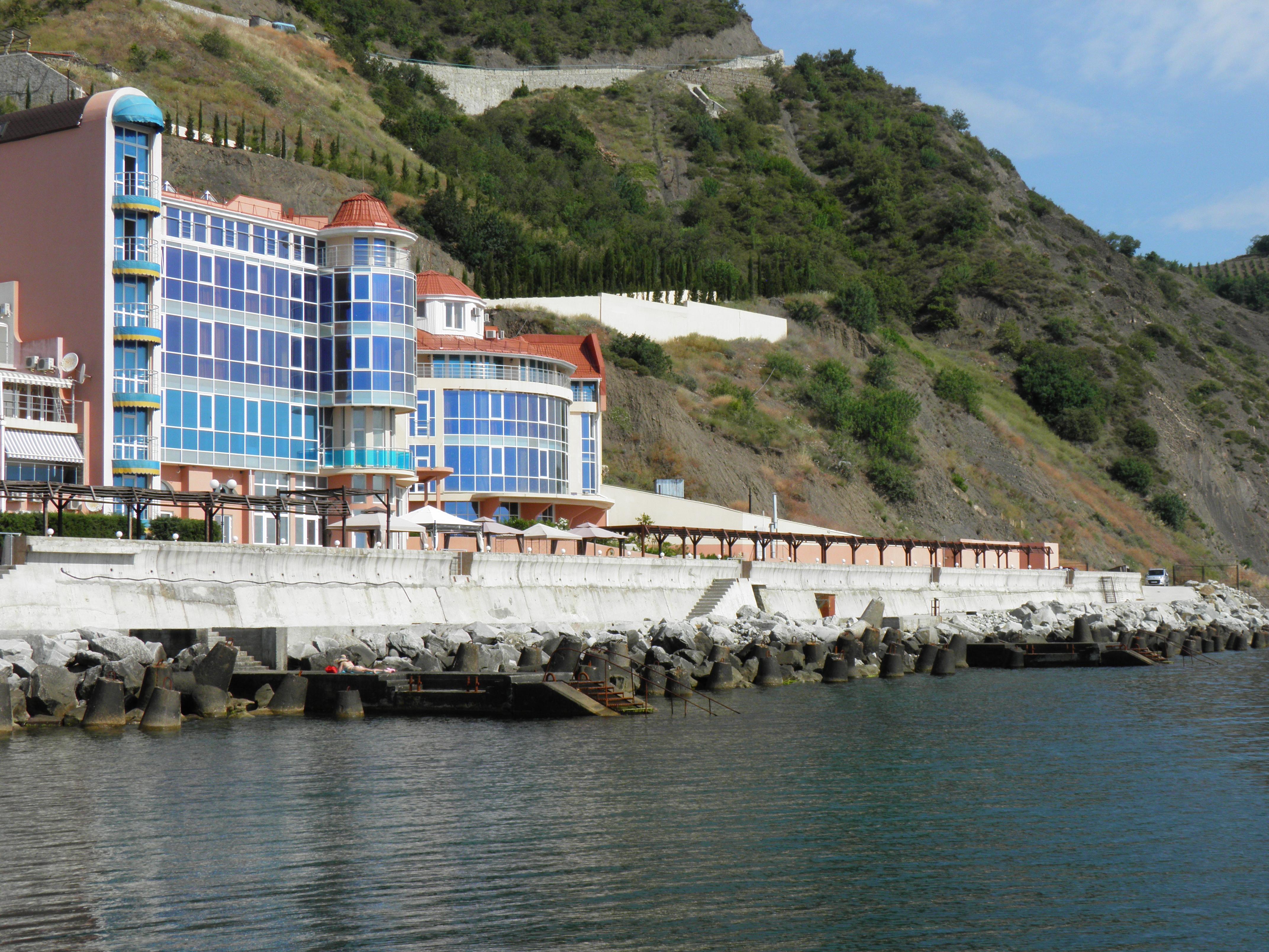 Продаются  апартаменты в Крыму у моря в пгт.Малый Маяк